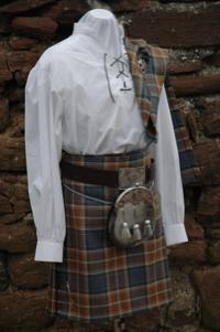 photo of Jacobite shirt being worn with a kilt