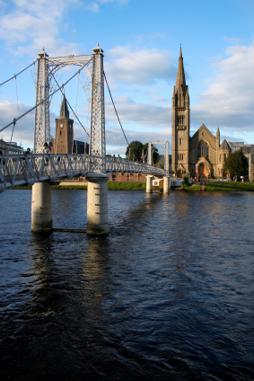 kilt Scotland photos Grieg Street Bridge
