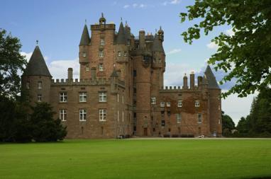 kilt Scotland photos Glamis Castle