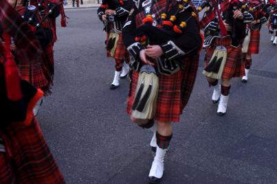 Scotish pipe band playing the bagpipes
